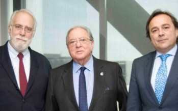 El Colegio de Veterinarios de Sevilla firma una póliza de decesos con A.M.A.