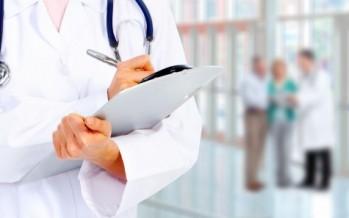 El número de médicos colegiados en España creció en 2016
