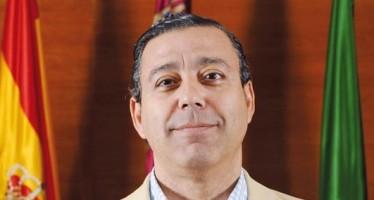 """Dr. Oscar Castro: """"El 52% de los dentistas en España son mujeres"""""""