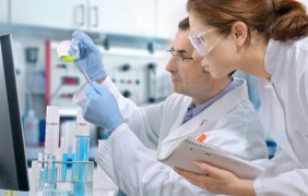 La industria farmacéutica y los médicos