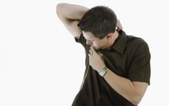 Las manchas de sudor en el trabajo, un problema que han sufrido el 80% de los españoles