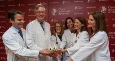 Realizan el primer implante de corazón artificial total