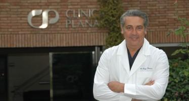 """El cirujano Jorge Planas publica """"Historias y vivencias de un cirujano plástico"""", """"un libro hecho con humor y rigor""""."""