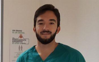 """Alejandro Molina: en pacientes con psoriasis """"el primer paso es explicarle detenidamente la enfermedad"""""""
