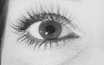 Detectar el Alzheimer precoz mediante un análisis no invasivo del ojo