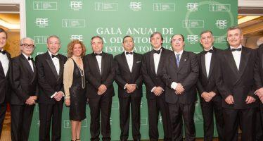 Odontólogos y estomatólogos celebran su gala anual