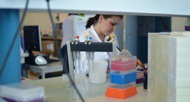 'Oncogénomica: tú decides' plantea un ejercicio sobre los beneficios de la medicina personalizada