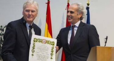 El Nobel de Medicina Michael Young recibe el Premio Fernández-Cruz