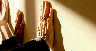 Descubren una tasa alta de demencia en adultos mayores después del inicio de la hemodiálisis