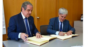Farmacéuticos y veterinarios renuevan el convenio para seguir avanzando en la Receta Electrónica Veterinaria en España