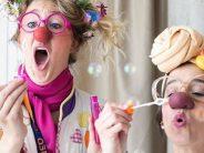'Sonrisas en quirófano', el proyecto de acompañamiento quirúrgico de niños hospitalizados de la Fundación Theodora