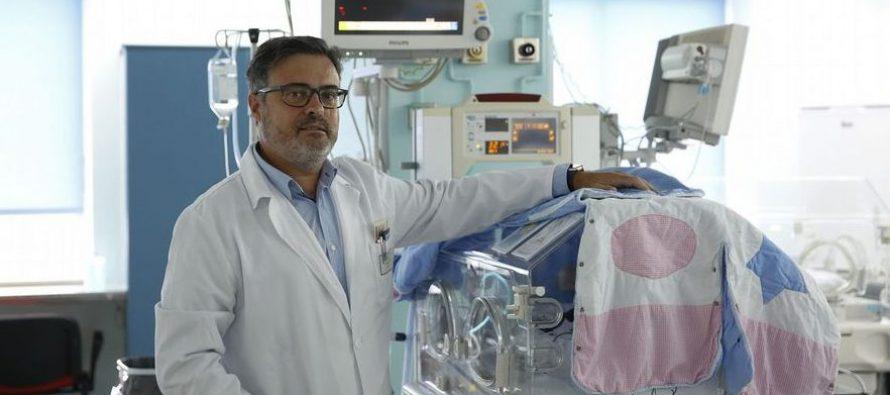 """Dr. Fernández Trisac: """"El contacto piel con piel con los padres consigue que el bebé esté más tranquilo"""""""