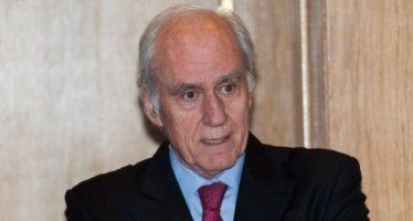 """El profesor Luis Ortiz Quintana ofrece la conferencia """"Reflexiones actuales sobre el cribado del cáncer de mama"""""""