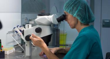 Nuevo sistema electrónico de identificación de muestras biológicas en Quirónsalud Barcelona