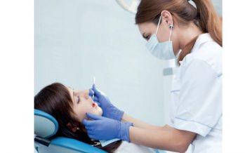 Triaje online y uso de equipos de protección para personal y pacientes, medidas de Sanitas Dental