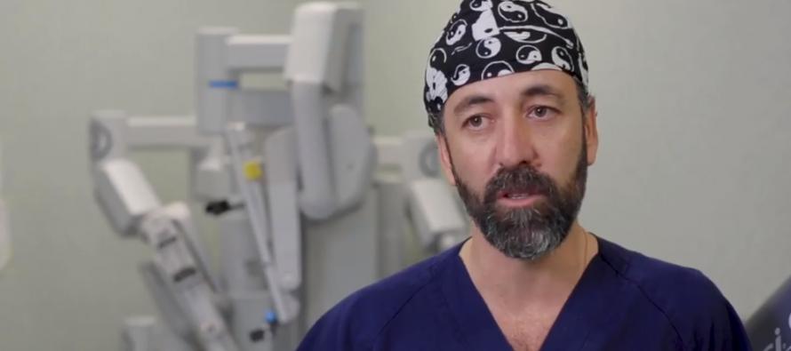 Quirónsalud Barcelona realiza una cirugía robótica transoral para el síndrome de Eagle
