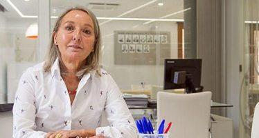 """Fe Ballestero: """"Hemos sidopioneros en la modernizaciónde los colegios farmacéuticos a nivel nacional"""""""
