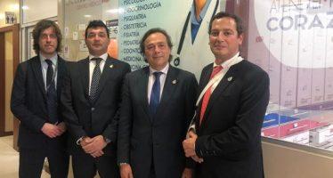 Los directivos de A.M.A. visitan las instalaciones del Centro Médico Semedic en Guayaquil