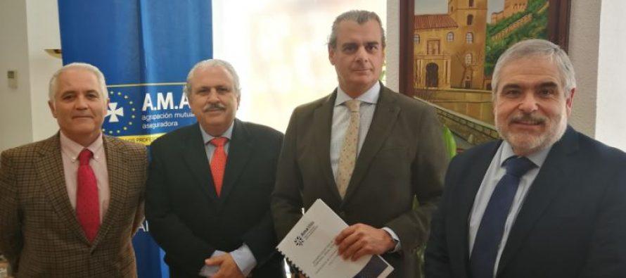 AMA Vida firma la póliza colectiva de Vida con el Colegio de Veterinarios de Granada