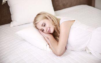 Consejos para poder dormir en noches de calor