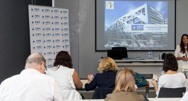 Raquel Murillo imparte una clase práctica en A.M.A. para profesionales del máster de valoración del daño corporal