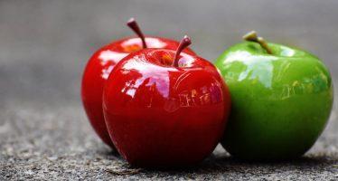 Un estudio afirma que comer dos manzanas al día ayuda a mantener el colesterol bajo