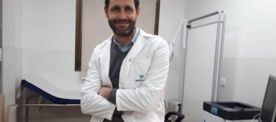 """Dr. Jiménez: """"La técnica TAMIS se realiza vía intrarrectal, evitando incisiones, lo que favorece una recuperación más rápida del paciente"""""""