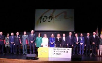 Diego Murillo y las ex ministras Ana Pastor y Trinidad Jiménez, premios del centenario del Colegio de Médicos de La Rioja