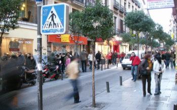 El 74% de los españoles continúa comprando en tiendas físicas