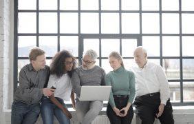 Alcon ofrece sus plataformas digitales para dar continuidad a reuniones científicas
