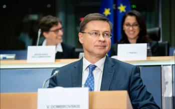 """Valdis Dombrovskis: """"100.000 millones de euros para financiar a trabajadores y autónomos"""""""