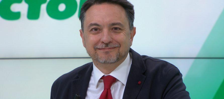 El Dr. David Pérez trata el Síndrome de Piernas Inquietas en '¿Qué me pasa doctor?'