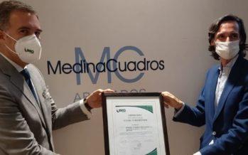 """IMQ Ibérica entrega el Certificado """"Covid'19 Restriction"""" a Medina Cuadros Abogados"""