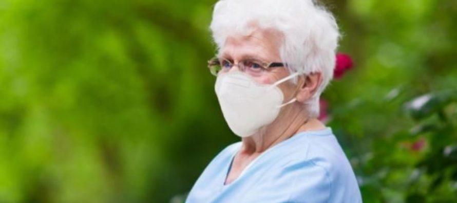 Madrid entrega gratuitamente 752.024 mascarillas FFP2 a los mayores de 65 años