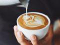 Beber más de seis tazas de café al día pone en riesgo la salud cardiovascular
