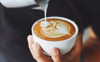 Tomar tres cafés al día es bueno para el corazón