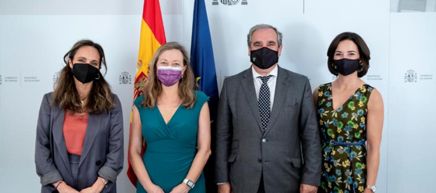 El Ministerio de Igualdad y los Farmacéuticos firman nuevo convenio de colaboración