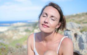 Un estudio afirma que la exposición al sol libera altos niveles de hormonas sexuales